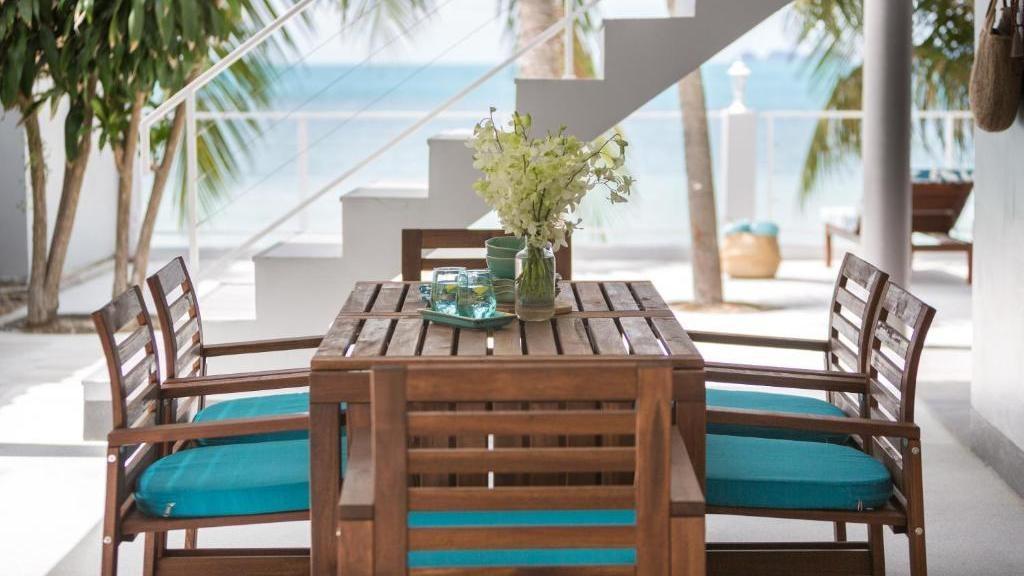Karibu Beach House